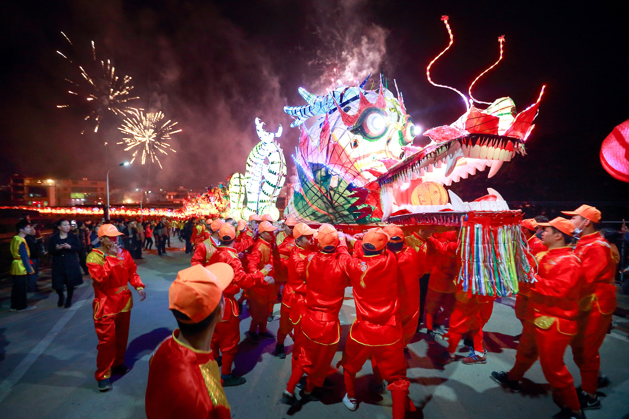 wechat users send 46 billion digital red packets over chinese lunar new year tech wire asia - How Long Is The Chinese New Year