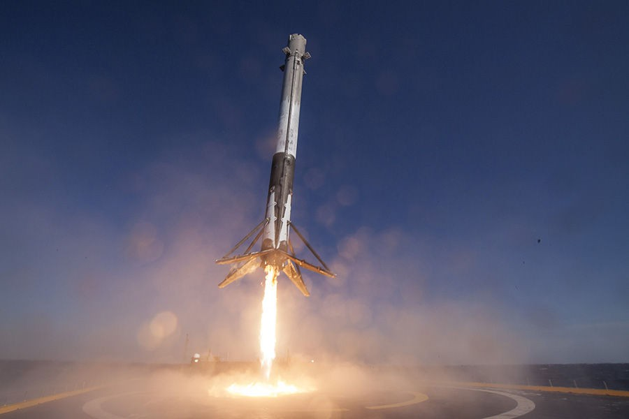 SpaceX, Falcon 9