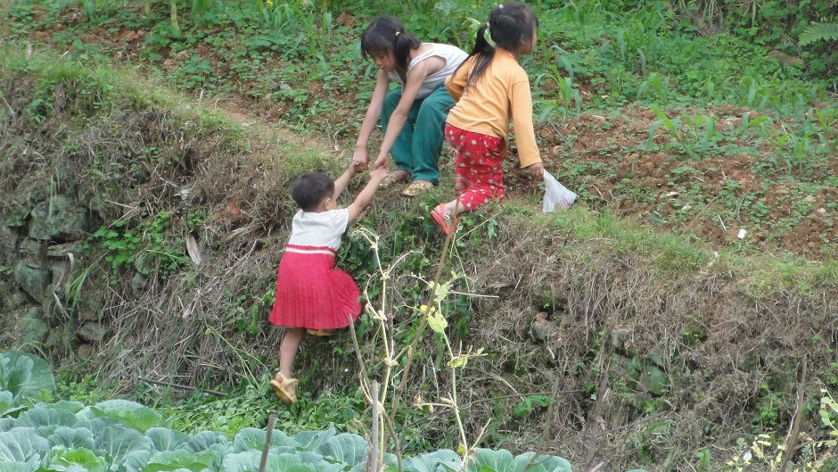 Children play in rural China. Pic: Flickr/Samuel Vigier