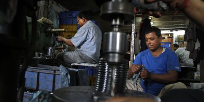 india manufacturing factory workers