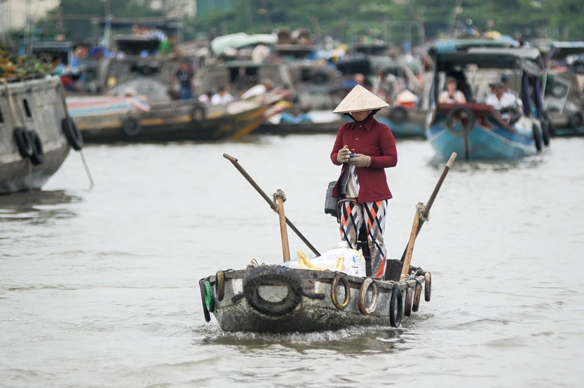 Vietnam, social media, smartphone, content