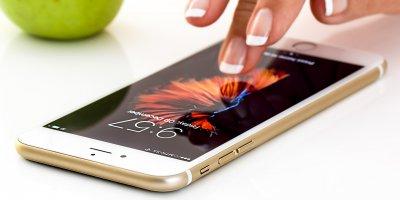 Smartphone apple iphone finger