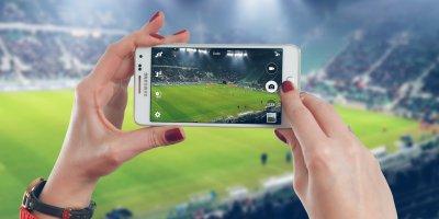 Phone stadium game