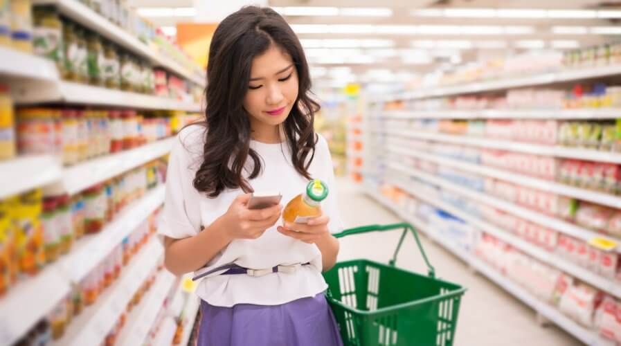 In the competitive digital arena, retailers will need all the technology they can get to turbocharge the CX. Source: Shutterstock