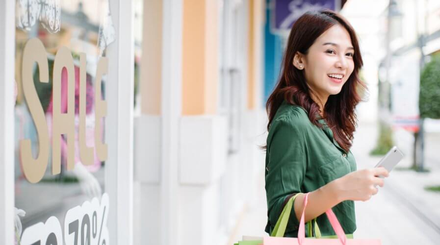 IoT can help the businesses effectively understand their customers through lifestyle patterns. Source: Shutterstock