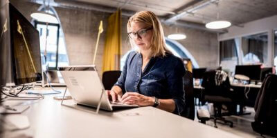Porsche Digital Lab Director Anja Hende at work. Source: Porsche Newsroom