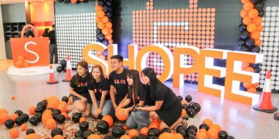 Shopee staff celebrating the platform's victory on Singles' Day. Source: Shopee/LinkedIn