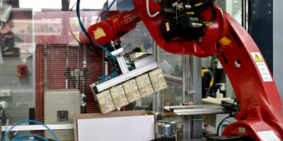 a robot with pakages of new 200 euro banknotes during the printing procedure at the Bankitalia