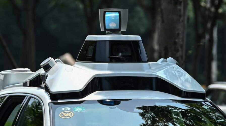 Who should pay if an autonomous vehicle causes an accident?