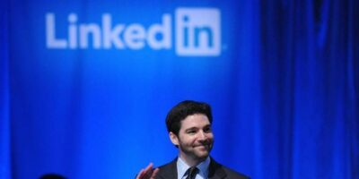 Microsoft pulls the plug on China's LinkedIn operations